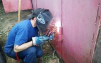 Приваривание петель на гаражные ворота