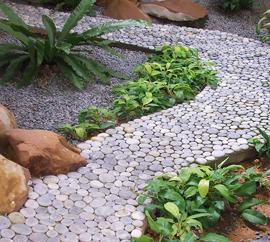 Садовая дорожка из гальки (фото)